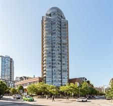 Photo 1: 2202 63 Keefer Place in Vancouver: Condo for sale : MLS®# R2094891