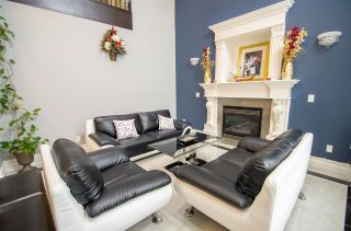 Photo 5: 12874 CARLUKE Crescent in Surrey: Queen Mary Park Surrey House for sale : MLS®# R2553673