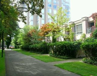 Photo 1: TH3 - 2668 Ash Street in Vancouver: Fairview VW Townhouse for sale (Vancouver West)  : MLS®# V605960