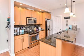 Photo 7: 422 623 Treanor Ave in Langford: La Thetis Heights Condo for sale : MLS®# 863979