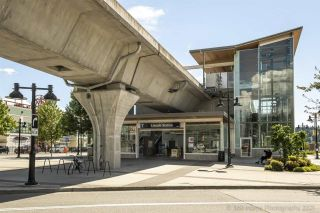 """Photo 3: 3603 1188 PINETREE Way in Coquitlam: North Coquitlam Condo for sale in """"M3"""" : MLS®# R2590815"""