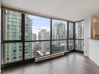 """Photo 4: 2102 1331 ALBERNI Street in Vancouver: West End VW Condo for sale in """"The Lions"""" (Vancouver West)  : MLS®# R2517604"""