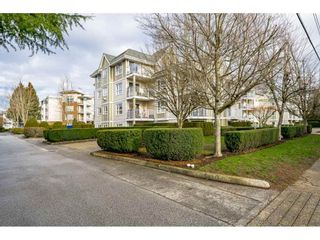 Photo 1: 310 20189 54 Avenue in Langley: Langley City Condo for sale : MLS®# R2533800