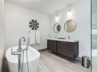 Photo 19: 2053 27 Street SE in Calgary: Southview House for sale : MLS®# C4174204