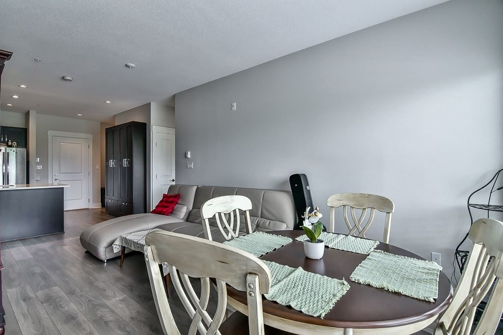 """Photo 10: Photos: 214 20728 WILLOUGHBY TOWN CENTRE Drive in Langley: Willoughby Heights Condo for sale in """"Kensington at Willoughby Town Centre"""" : MLS®# R2190142"""