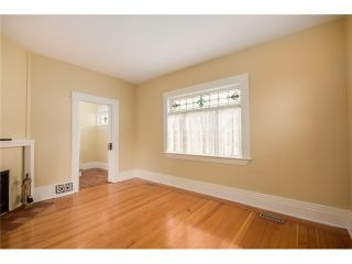 """Photo 3: 284 E 18TH Avenue in Vancouver: Main House for sale in """"Main Street"""" (Vancouver East)  : MLS®# V1068280"""