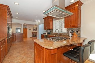Photo 5: 3185 HUNTLEIGH CRESCENT in North Vancouver: Windsor Park NV House for sale : MLS®# R2437080