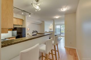 """Photo 4: 305 997 W 22ND Avenue in Vancouver: Cambie Condo for sale in """"CRESCENT AT SHAUGHNESSY"""" (Vancouver West)  : MLS®# R2063247"""