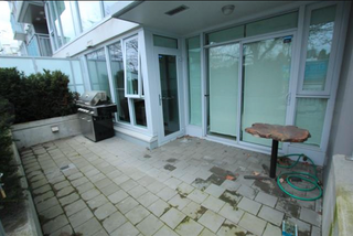 Photo 3: 109 1618 Quebec Street in Vancouver: Mount Pleasant VE Condo for sale (Vancouver East)  : MLS®# R2049262