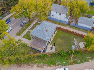 Photo 6: 133 H Avenue South in Saskatoon: Riversdale Residential for sale : MLS®# SK867409