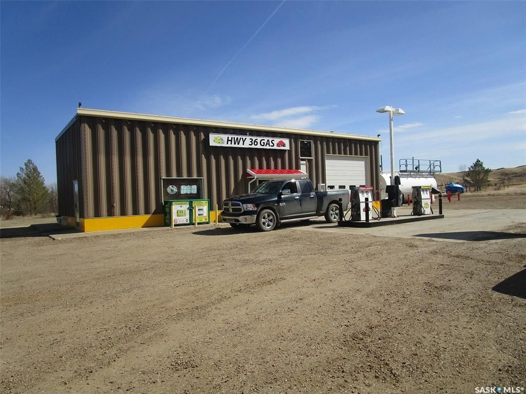 Main Photo: 18 B Avenue in Willow Bunch: Commercial for sale : MLS®# SK858842