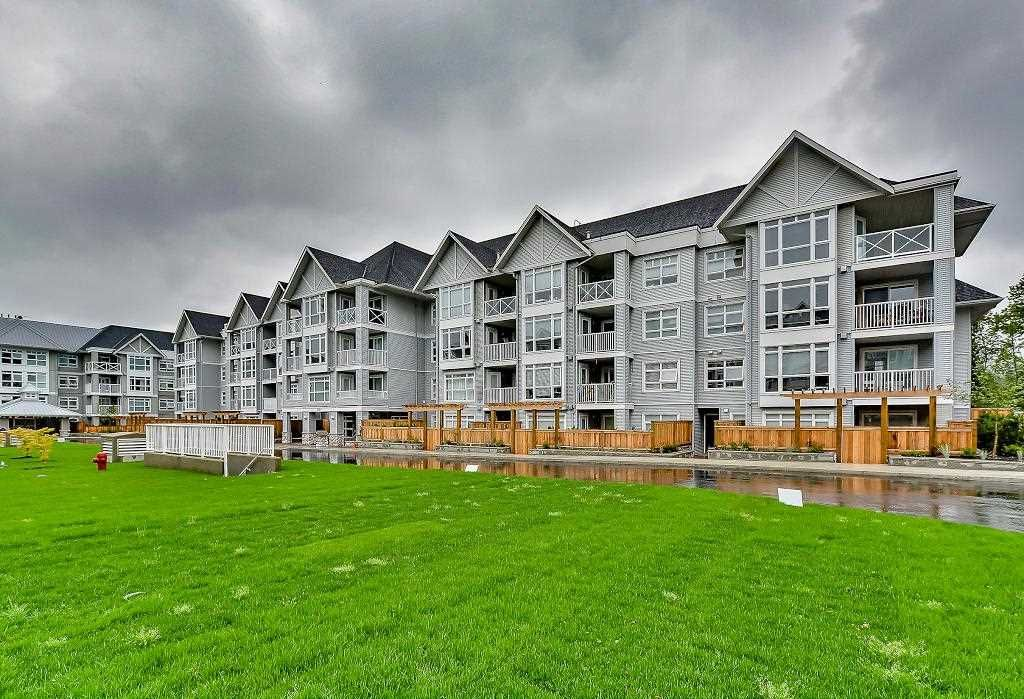 Main Photo: 215 3142 ST JOHNS STREET in : Port Moody Centre Condo for sale : MLS®# R2088108