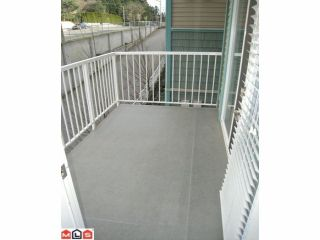 "Photo 5: 213 33960 OLD YALE Road in Abbotsford: Central Abbotsford Condo for sale in ""OLD YALE HEIGHTS"" : MLS®# F1224659"