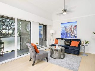 "Photo 5: 306 1425 CYPRESS Street in Vancouver: Kitsilano Condo for sale in ""Cypress West"" (Vancouver West)  : MLS®# R2183416"