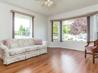 Photo 2: 2001 VALLEY VIEW DRIVE in COURTENAY: CV Courtenay East House for sale (Comox Valley)  : MLS®# 770574