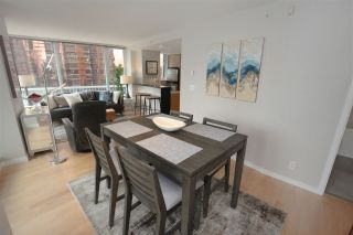 "Photo 7: 606 33 SMITHE Street in Vancouver: Yaletown Condo for sale in ""Coopers Lookout"" (Vancouver West)  : MLS®# R2440133"