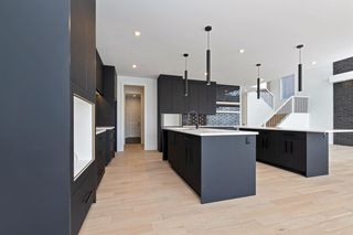 Photo 13: 7853 8a Avenue SW in Calgary: West Springs Detached for sale : MLS®# A1120136
