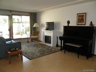 Photo 3: 28 20 Anderton Ave in COURTENAY: CV Courtenay City Row/Townhouse for sale (Comox Valley)  : MLS®# 678981