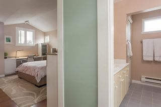 """Photo 20: 1585 BOWSER Avenue in North Vancouver: Norgate Townhouse for sale in """"Illahee"""" : MLS®# R2465696"""