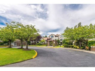 """Photo 2: 105 15991 THRIFT Avenue: White Rock Condo for sale in """"ARCADIAN"""" (South Surrey White Rock)  : MLS®# R2441323"""