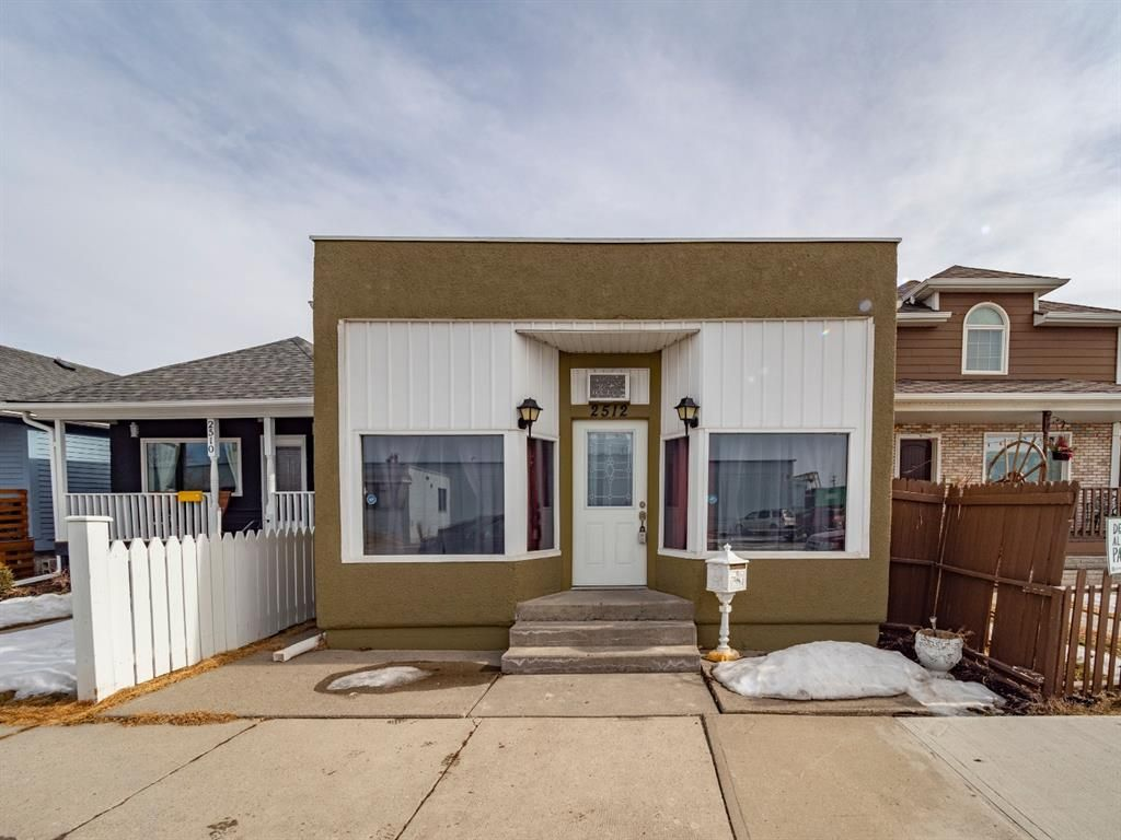Main Photo: 2512 16 Street SE in Calgary: Inglewood Detached for sale : MLS®# A1079489