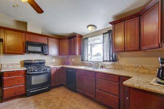 Photo 3: LEMON GROVE House for sale : 3 bedrooms : 2613 Nida