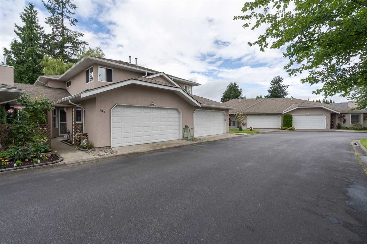 """Main Photo: 166 15501 89A Avenue in Surrey: Fleetwood Tynehead Townhouse for sale in """"Avondale"""" : MLS®# R2469254"""