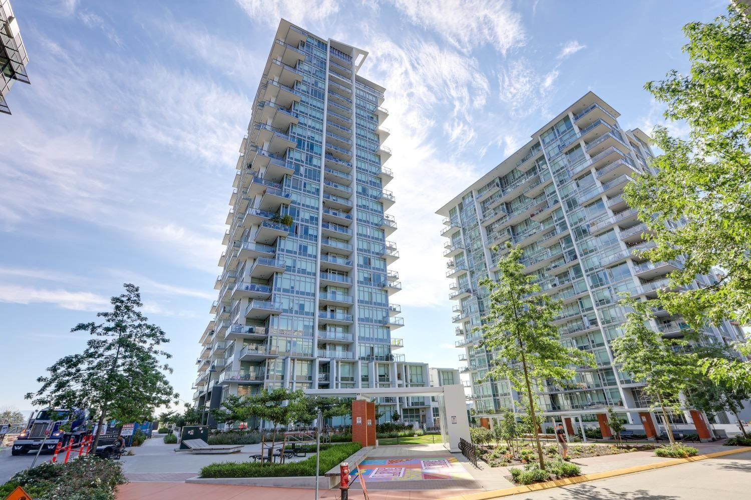 """Main Photo: 803 258 NELSON'S Court in New Westminster: Sapperton Condo for sale in """"The Columbia"""" : MLS®# R2622100"""