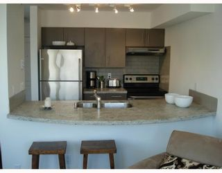 Photo 1: 403 2490 W 2ND Avenue in Vancouver: Kitsilano Condo for sale (Vancouver West)  : MLS®# V774523
