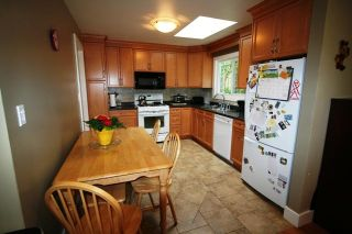 Photo 2: 6752 Jedora Dr in Central Saanich: Residential for sale : MLS®# 277166