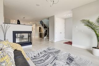 Photo 4: 2823 25A Street SW in Calgary: Killarney/Glengarry Semi Detached for sale : MLS®# A1089747