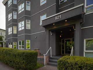 """Photo 10: 305 921 THURLOW Street in Vancouver: West End VW Condo for sale in """"Kristoff Place"""" (Vancouver West)  : MLS®# R2580196"""