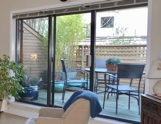 """Photo 1: PH2 2320 W 40TH Avenue in Vancouver: Kerrisdale Condo for sale in """"MANOR GARDENS"""" (Vancouver West)  : MLS®# R2434929"""