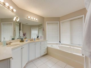 Photo 19: 67 Sierra Morena Circle SW in Calgary: Signal Hill Detached for sale : MLS®# C4239157