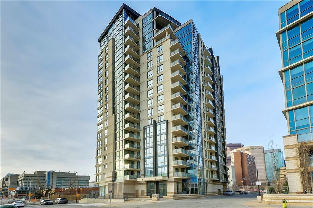 Main Photo: 303 325 3 Street SE in Calgary: Downtown East Village Apartment for sale : MLS®# C4222606