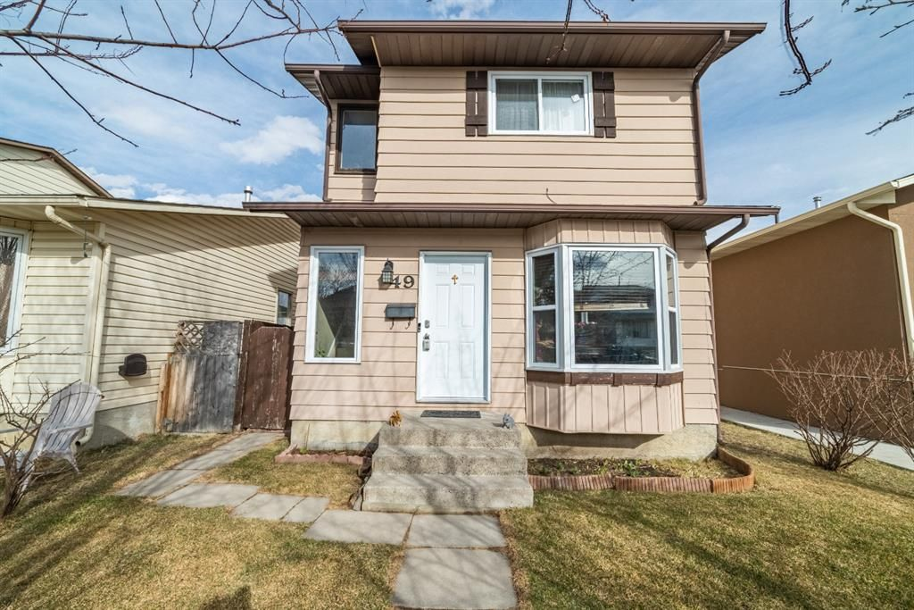 Main Photo: 49 Templeson Crescent NE in Calgary: Temple Detached for sale : MLS®# A1089563