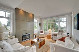 Photo 3: 1331 129A STREET in Surrey: Crescent Bch Ocean Pk. Home for sale ()  : MLS®# R2007596