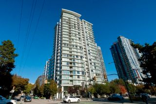 """Photo 1: 1809 161 W GEORGIA Street in Vancouver: Downtown VW Condo for sale in """"COSMO"""" (Vancouver West)  : MLS®# R2624966"""