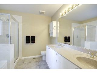 """Photo 12: 48 2588 152ND Street in Surrey: King George Corridor Townhouse for sale in """"Woodgrove"""" (South Surrey White Rock)  : MLS®# F1445170"""