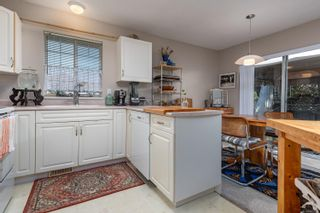 Photo 10: 2201 Bolt Ave in : CV Comox (Town of) House for sale (Comox Valley)  : MLS®# 885528