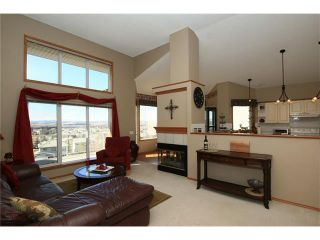 Photo 12: 35 GLENEAGLES View: Cochrane House for sale : MLS®# C4106773