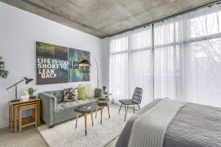 """Photo 7: 209 22 E CORDOVA Street in Vancouver: Downtown VE Condo for sale in """"Van Horne"""" (Vancouver East)  : MLS®# R2252419"""