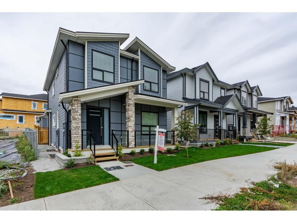 Main Photo: 7057 206 STREET in Langley: Willoughby Heights House for sale : MLS®# R2474959