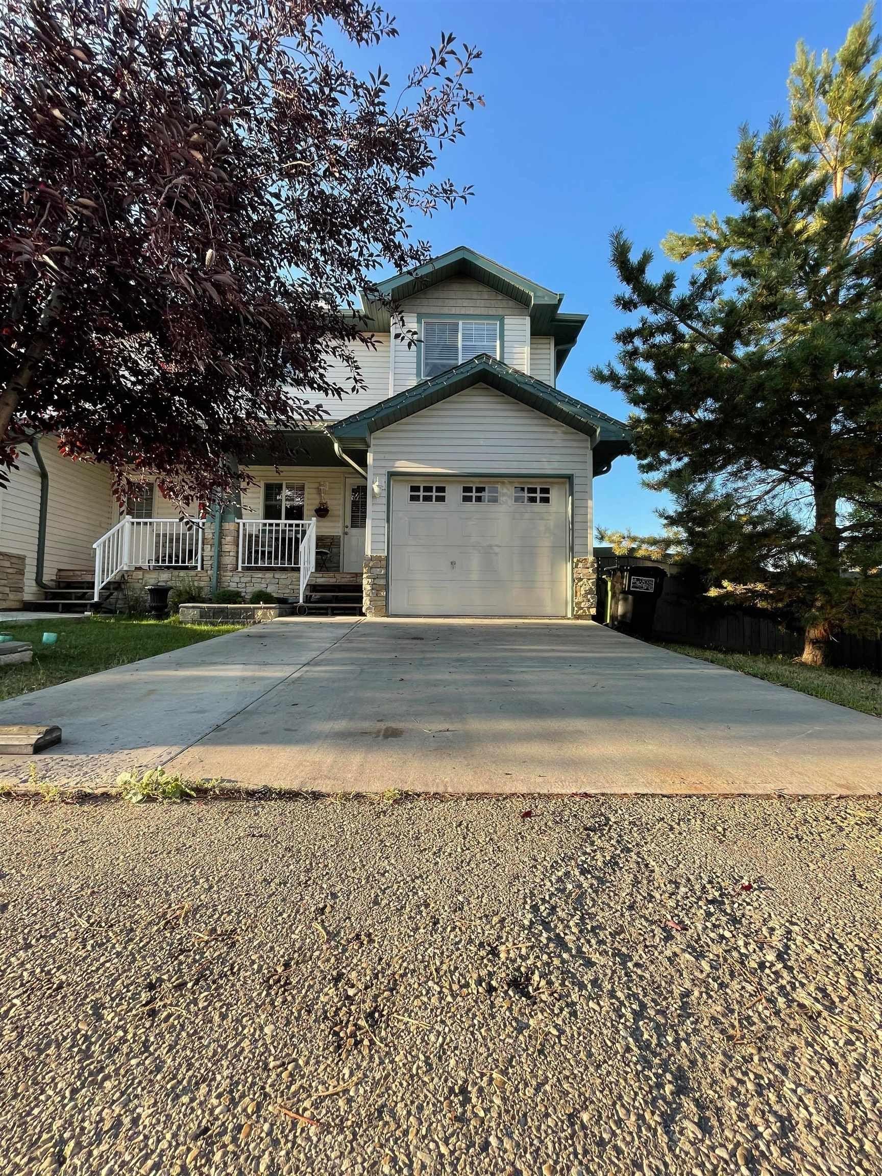 Main Photo: 21 6304 SANDIN Way in Edmonton: Zone 14 House Half Duplex for sale : MLS®# E4261480