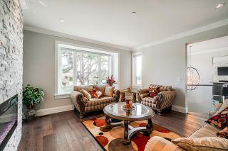 """Photo 26: 1551 ARCHIBALD Road: White Rock House for sale in """"West White Rock"""" (South Surrey White Rock)  : MLS®# R2605550"""