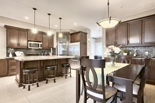 Photo 5: 3110 4A Street NW in Calgary: Mount Pleasant Semi Detached for sale : MLS®# A1059835