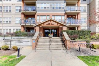 """Photo 21: 106 20219 54A Avenue in Langley: Langley City Condo for sale in """"SUEDE"""" : MLS®# R2561095"""