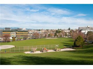 "Photo 14: 107 853 E 7TH Avenue in Vancouver: Mount Pleasant VE Condo for sale in ""Vista Villa"" (Vancouver East)  : MLS®# R2221809"