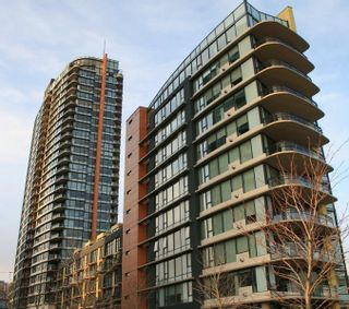 Photo 1: 2502 33 SMITHE STREET in Vancouver: Yaletown Condo for sale (Vancouver West)  : MLS®# R2228329