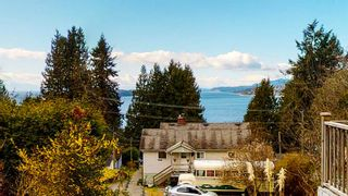 """Photo 13: 5157 RADCLIFFE Road in Sechelt: Sechelt District House for sale in """"Selma Park"""" (Sunshine Coast)  : MLS®# R2555636"""